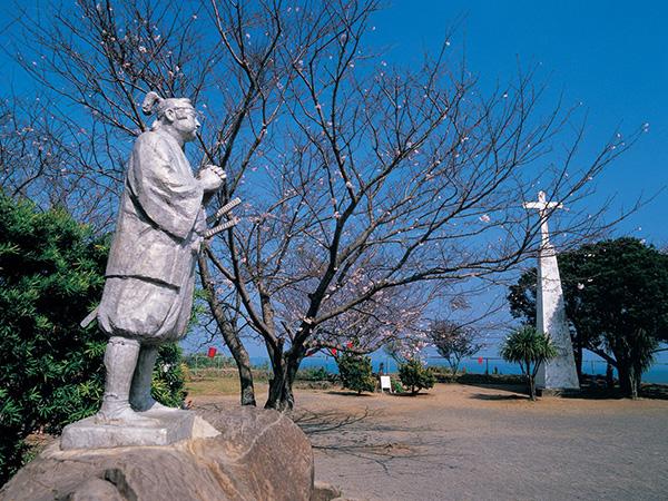天草四郎像(北村西望作)